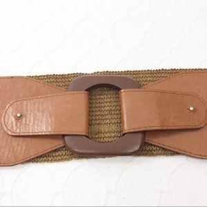 Accessories - 🌵2/$30 Wide Brown BoHo Festival Belt Wood Buckle
